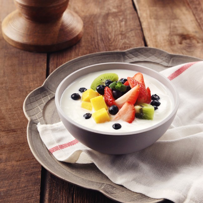 fruit_topping_yogurt